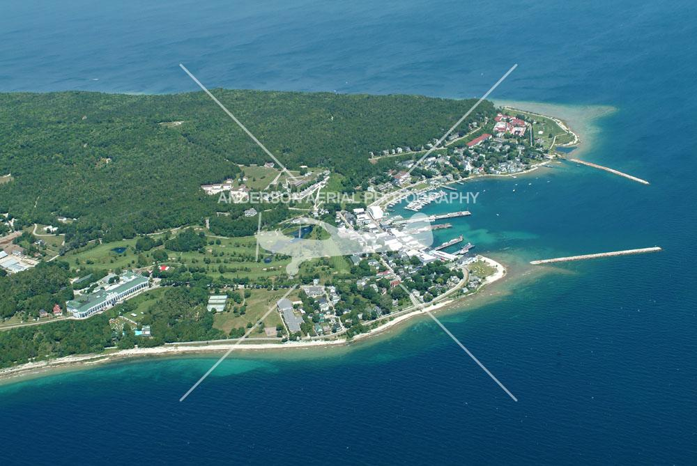 Download this Mackinac Island And Harbor picture